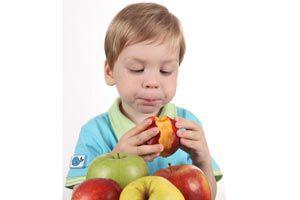 Cómo hacer para que los niños coman frutas y vegetales