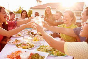 Cómo Planear una Reunión con Amigos