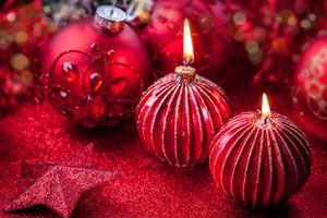 Ilustración de Cómo decorar con velas el ambiente de la cena de Navidad y Año Nuevo