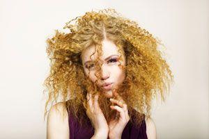 Trucos para controlar el pelo escrespado, y recetas caseras naturales para combatir el frizz en el pelo