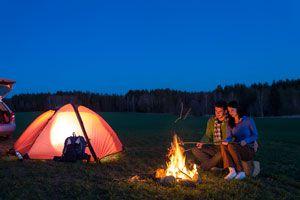 Ilustración de Cómo acampar sin problemas