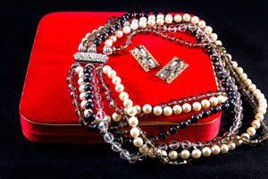 Cómo Guardar los Collares Sin Enredarlos