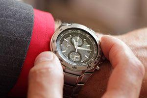Ilustración de Cómo elegir entre un Reloj de movimiento Mecánico y uno de Cuarzo