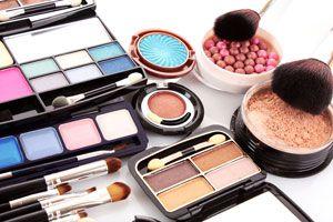 Sombras de Ojos y Rubores caseros. Recetas para fabricar tu Maquillaje casero. Ingredientes y preparación de sombras y rubores caseros.