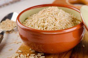 Procedimiento para cocinar arroz integral en microondas. Pasos para preparar arroz integral en el microondas. Cómo cocinar el arroz integral