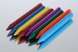 Cómo hacer crayones multicolores