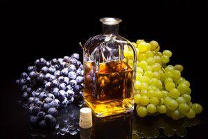 Ilustración de Cómo hacer uvas en aguardiente