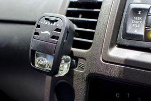 Trucos simples para aromatizar el coche. Cómo quitar el mal olor del auto con aromatizantes caseros. Tips para aromatizar el coche.
