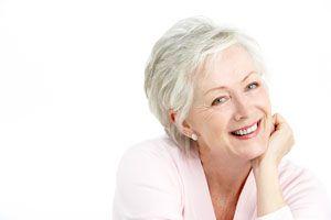 Consejos de belleza para lucir canas brillantes y hermosas. Cómo cuidar un cabello con canas