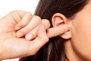 Cómo Quitar el Agua Atrapada en los Oídos