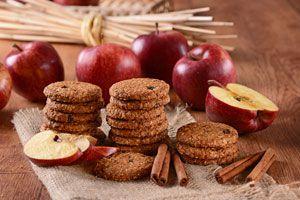 Cómo hacer un postre con sobras de frutas y galletas