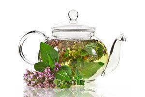Ilustración de Cómo hacer perfumes y aromatizantes con hierbas
