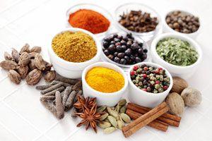 Cómo usar hierbas y especias para usos medicinales
