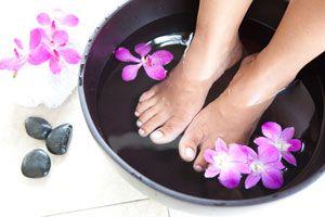 Consejos para prevenir los hongos en uñas y pies. Como saber si tienes hongos en uñas y pies. Sintomas para detectar hongos en los pies