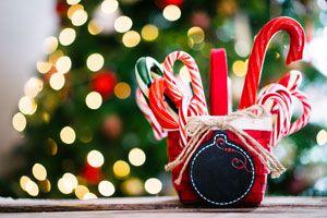 Cómo hacer cintas y bastones de caramelo navideños