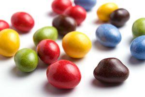 Cómo hacer bombones rellenos rojos y verdes