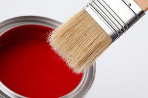 Ilustración de Cómo elegir la pintura según el tipo de manualidad