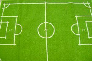 Cómo hacer una alfombra con diseño de cancha de fútbol