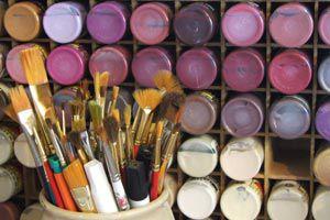 Ilustración de Cómo iniciarse en el arte de la pintura decorativa