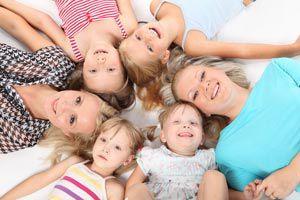 Ilustración de Cómo mejorar la comunicación con la familia y seres queridos