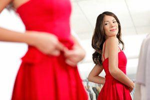 Tips para escoger el vestido para una boda de noche. Cómo vestirse en una boda nocturna. Consejos para vestir en un casamiento de noche