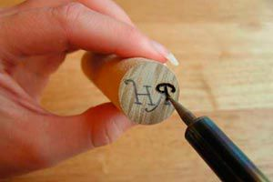 Cómo hacer Sellos de Cera con Corchos y Maderas