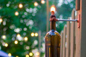 Cómo hacer una antorcha con una botella