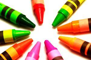 Cómo hacer crayones caseros de cera y de jabón. Guía para fabricar tus propios caryones de cera y de jabón. Crayones caseros y naturales.