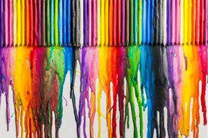 Pintando un lienzo con crayones derretidos. Cómo pintar un lienzo derritiendo crayones. Tecnica para pintar lienzos con crayones derretidos