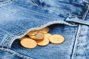 Ilustración de Cómo Reutilizar un Pantalón de Jean