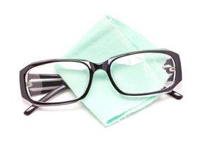 Cómo Limpiar las Gafas sin rayarlas