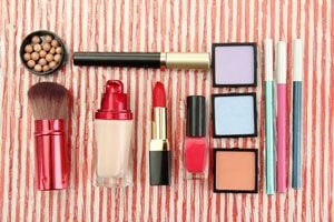 Cómo reconocer algunos cosméticos peligrosos