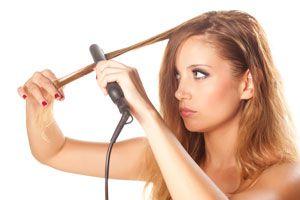 Ilustración de Cómo tener el cabello perfecto: de rizado a lacio y viceversa