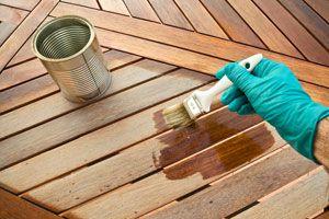 C mo barnizar la madera for Pintar mueble barnizado