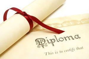¿Es necesario contar con títulos superiores para triunfar?