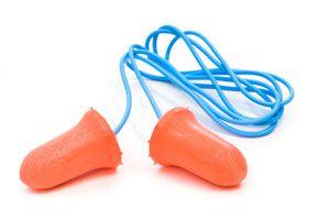 Ilustración de Cómo utilizar tapones para los oídos