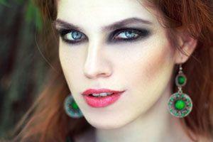 Ilustración de Maquillaje para ojos ahumados