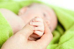 Lo bueno y lo malo de adoptar a un bebé