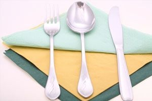 Ilustración de Cómo limpiar y cuidar los cubiertos