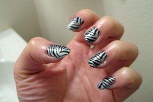 Ilustración de Decoración de uñas animal print al estilo cebra