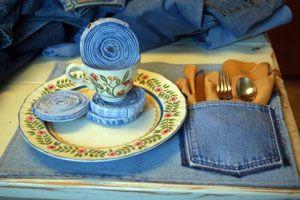 Elementos para la mesa con tela de jean