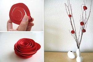 Ilustración de Un florero con ramas y flores de papel