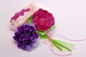 Técnica para crear flores de papel Cómo hacer claveles de papel y flores con papel barrilete o seda. Guía para fabricar flores con papel