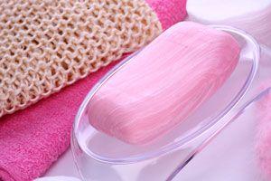 Ingredientes para hacer un jabón biodegradable de lana. Preparación del jabón biodegradable de lana.