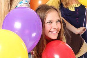 Cómo organizar una fiesta de 15. El menú y los servicios para una fiesta de 15. Decoración e invitaciones para la fiesta de 15.