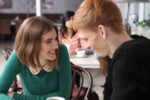 Cómo manejar el lenguaje corporal en las citas