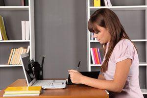 Riesgos de pasar mucho tiempo en tu escritorio