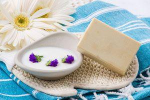 Jabón casero biodegradable de leche de cabra