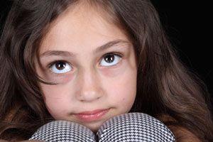 Ilustración de Cómo Ayudar a un Niño con Problemas de Concentración