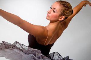 Ilustración de Cómo hacer un Peinado de Bailarina
